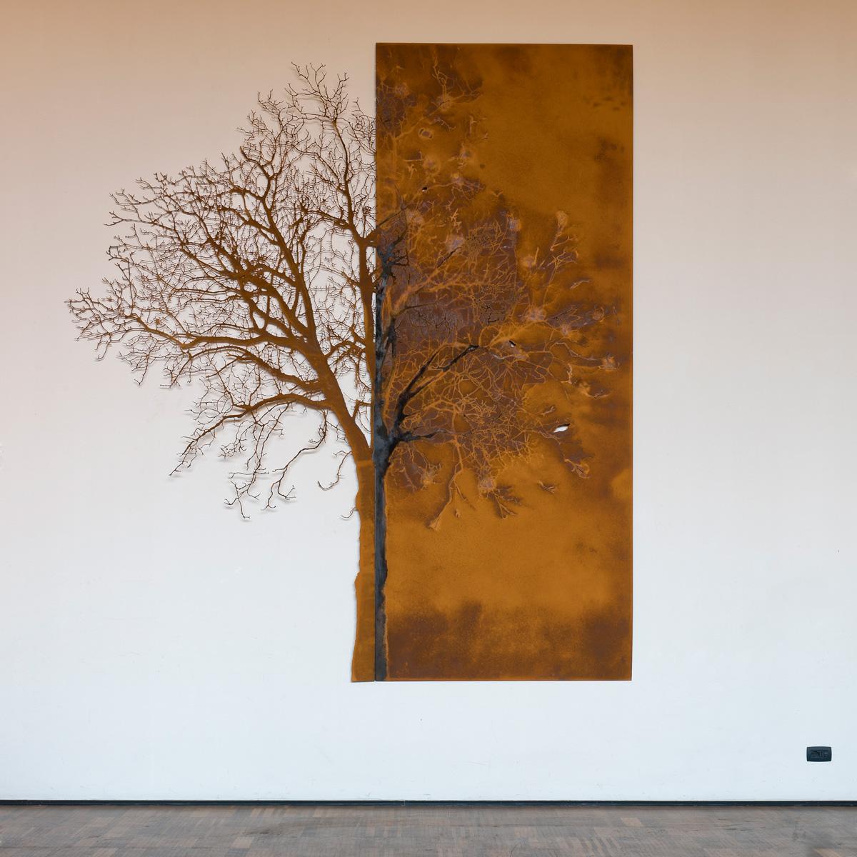 L'ALBERO E LA SUA IMPRONTA, vista d'insieme della scultura (foto di Nicola Dell'Aquila)