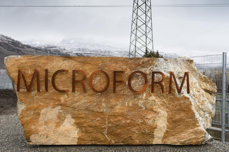 Microform_ingresso al fabbricato (foto di Nicola Dell'Aquila)