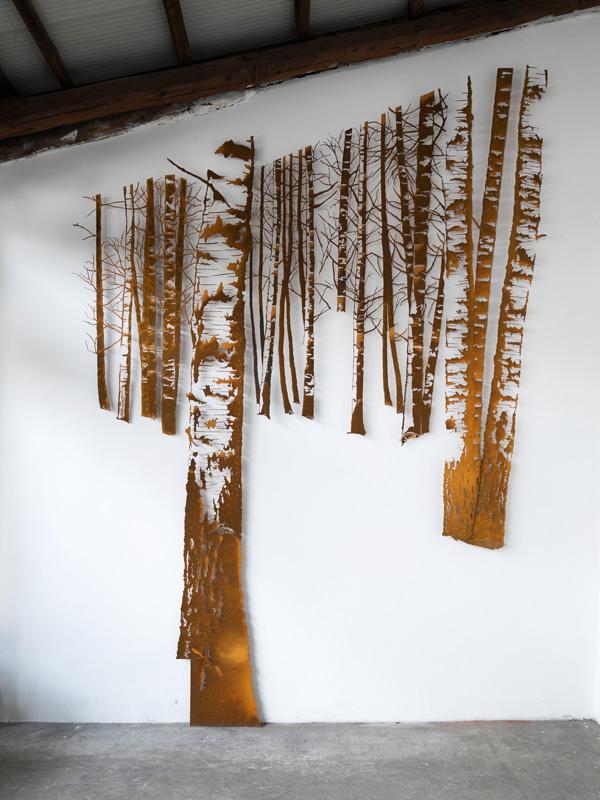 Il bosco di betulle - scultura -  (foto di Nicola Dell'Aquila)