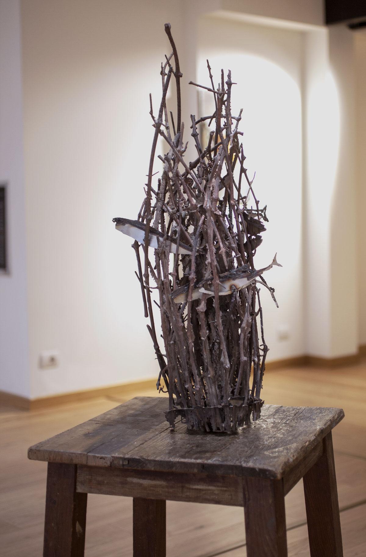TRALCI,  scultura. tecnica mista bronzo e fusione in bronzo, 130x210cm, 2018